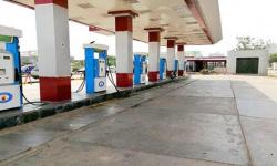 ضخ كميات من البنزين في عدن خلال ساعات