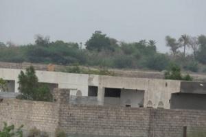 انفجارات القذائف الحوثية تدوي بمزارع التحيتا