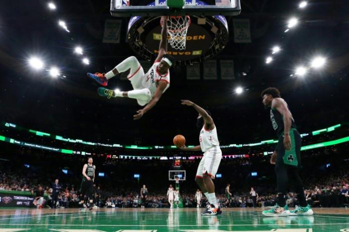 بورزنجس يقود مافريكس للفوز على بيسرز في دوري كرة السلة الأمريكي