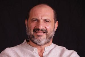 خالد الصاوي عن أشرف زكي :سفير للإنسانية من بيننا