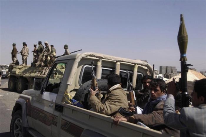 أول آثار العقوبات الأمريكية تظهر في مناطق الحوثيين
