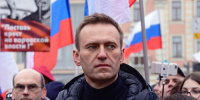 الأمن الروسي يعتقل عشرات المتظاهرين المحتجين على احتجاز نافالني