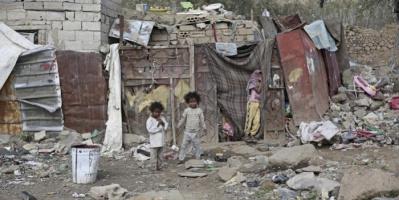 أوجاع الضعفاء.. نازحون يكتون بنيران إرهاب الحوثي وخذلان الشرعية