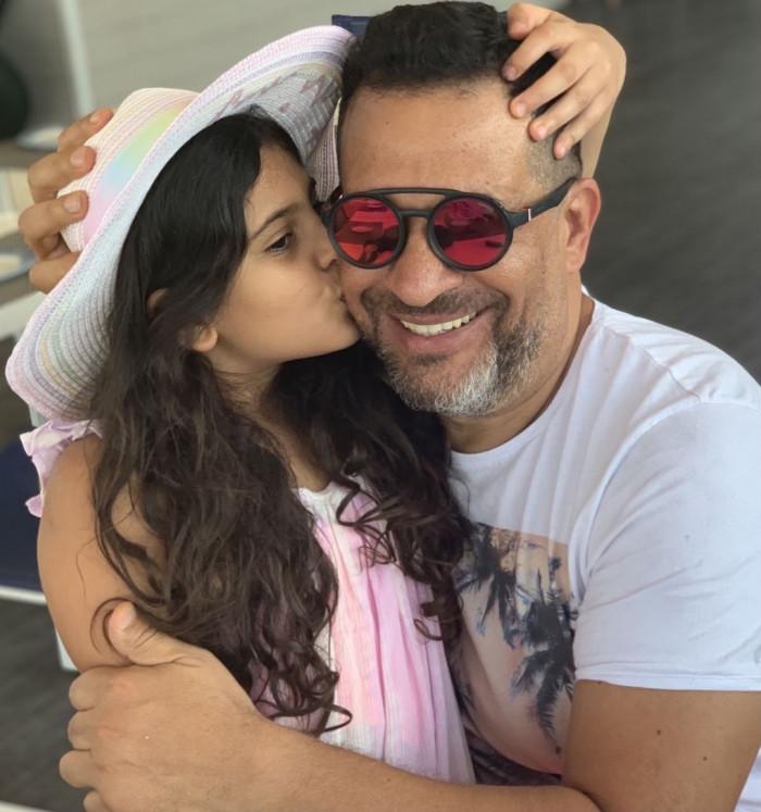 ماجد المصري يحتفل بشفائه وابنته من فيروس كورونا