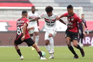 ساو باولو يهدر فرصة اقتناص صدارة الدوري البرازيلي
