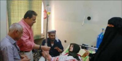 انتقالي لحج يُعجل إجراءات سفر الجريحة سيناء للعلاج بالخارج
