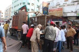رفع الأكشاك العشوائية من شارع الثقافة بخور مكسر