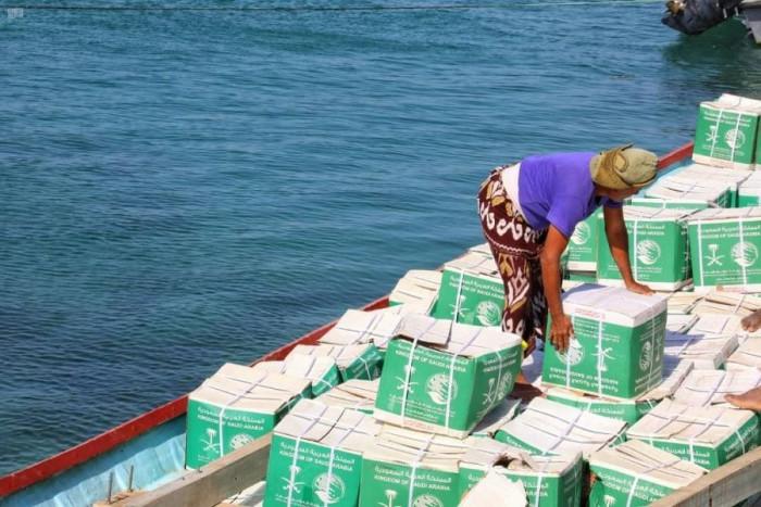900 فرد يتلقون مساعدات سعودية في ميون
