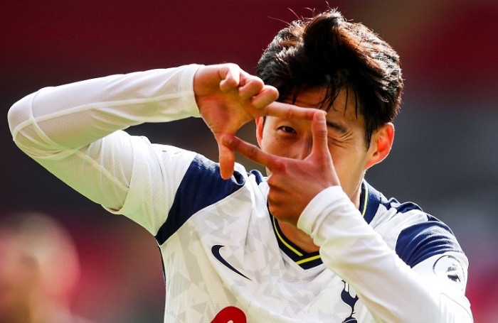 سون يتوج بجائزة أفضل لاعب آسيوي محترف بالخارج