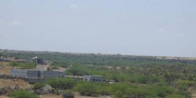 سقوط قذائف مدفعية حوثية على قرى الدريهمي