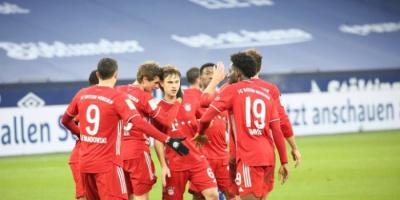 بايرن ميونيخ يكتسح شالكه برباعية في الدوري الألماني