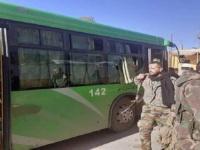 مقتل 3 عسكريين من الجيش السوري في استهداف حافلة بدير الزور