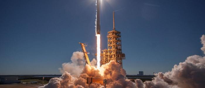 سبيس إكس تسجل رقمًا قياسيًا في عالم الفضاء