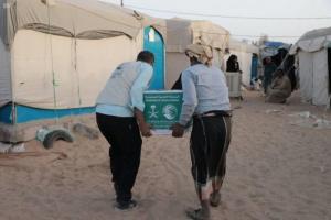 """""""سلمان للإغاثة"""" يعلن توزيع 69 طن أغذية في الجوف"""