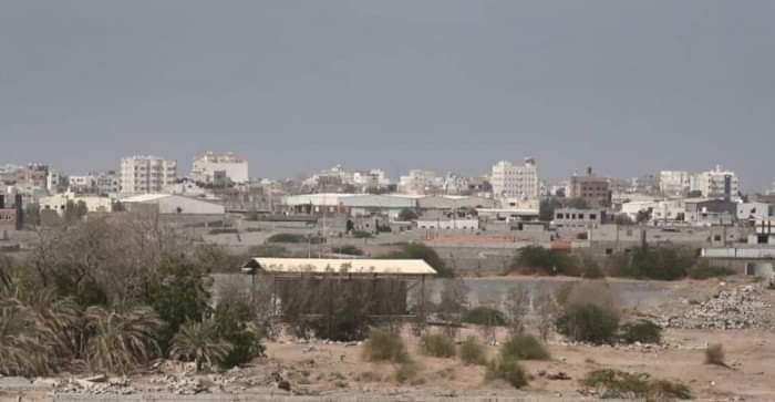 أحياء الحديدة المدمرة تئن تحت وطأة ضربات الحوثيين الغاشمة