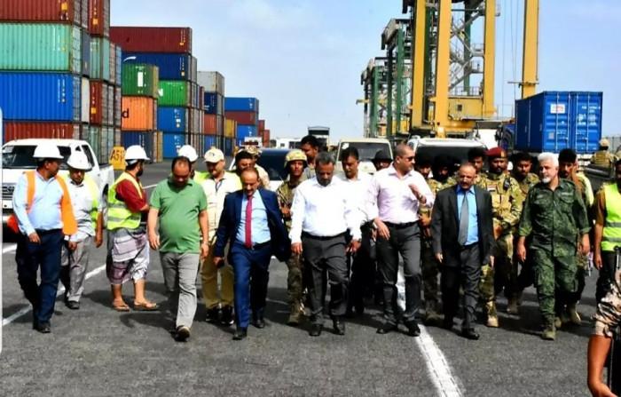وزير النقل يزور ميناء عدن لتقييم احتياجات تطويره