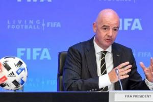 فيفا يطلق برنامجا لحماية اللاعبين في ملاعب كرة القدم