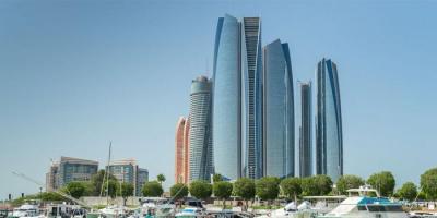 للحد من كورونا.. قرارات جديدة من أبو ظبي بشأن الطاقة الاستيعابية للنشاطات الاقتصادية والسياحية