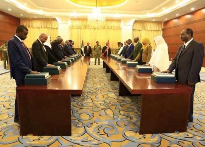 رئيس الوزراء السوداني يقيل الحكومة تمهيدًا لإعلان التشكيل الوزاري الجديد