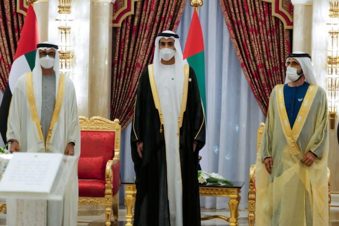 الإمارات: تعيين شخبوط بن نهيان وزير دولة للشؤون الخارجية وقرقاش كمستشار دبلوماسي