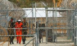 إدارة بايدن تدرس إغلاق سجن غوانتانامو