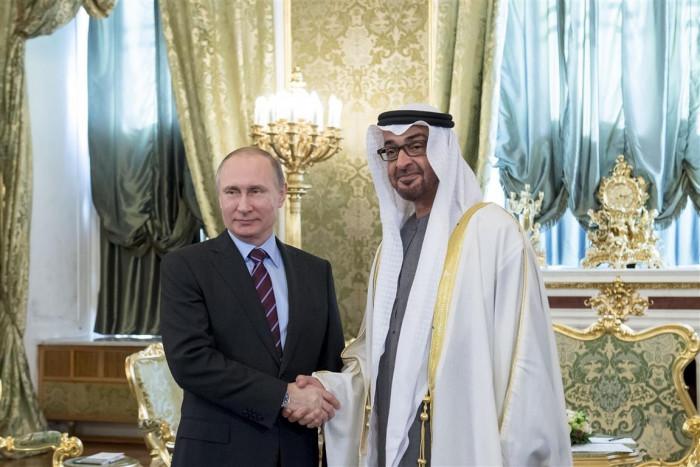 بن زايد يتسلم رسالة خطية من الرئيس الروسي