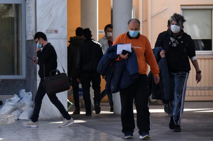 اليونان تُسجل 25 وفاة و884 إصابة جديدة بكورونا