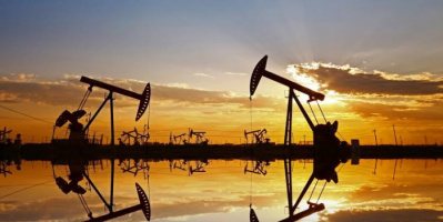 النفط يهبط 0.5 %.. برنت يتراجع إلى 65.02 دولارا للبرميل