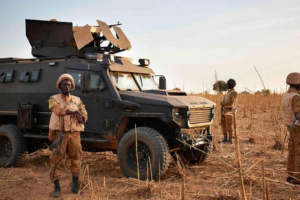 الجيش المالي مقتل جنديين وإصابة 7 آخرين  في استهداف قافلة عسكرية