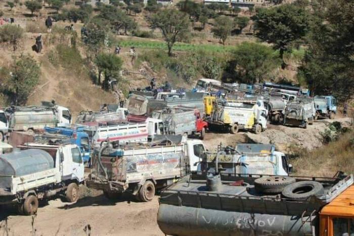 حوض شبان.. مستنقع الإهمال الحوثي الذي يغرق فيه السكان