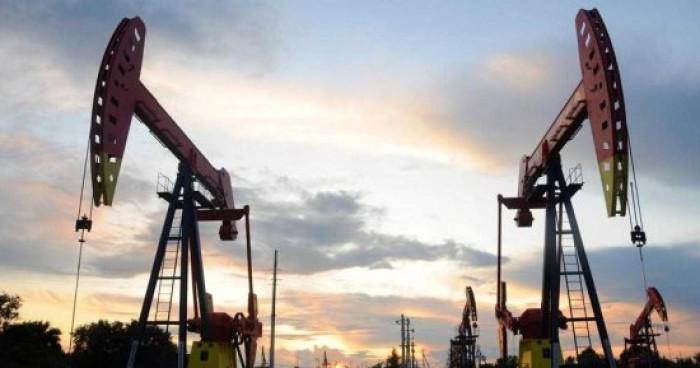 صعود أسعار النفط لأعلى مستوى بعد موجة طقس سيئ