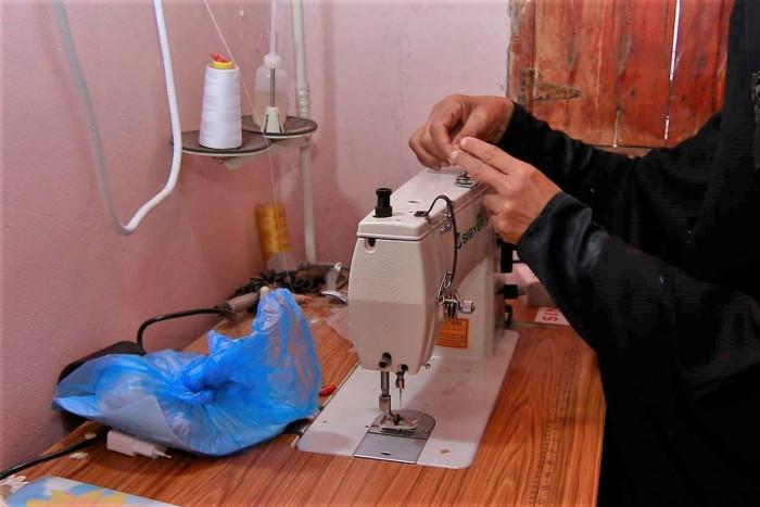 """""""الصليب الأحمر"""" تدعم 53 عائلة بمشاريع صغيرة في لحج"""
