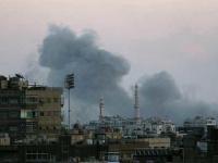 إعلامي عراقي يكشف أهداف أمريكا من قصف مواقع إيران في سوريا