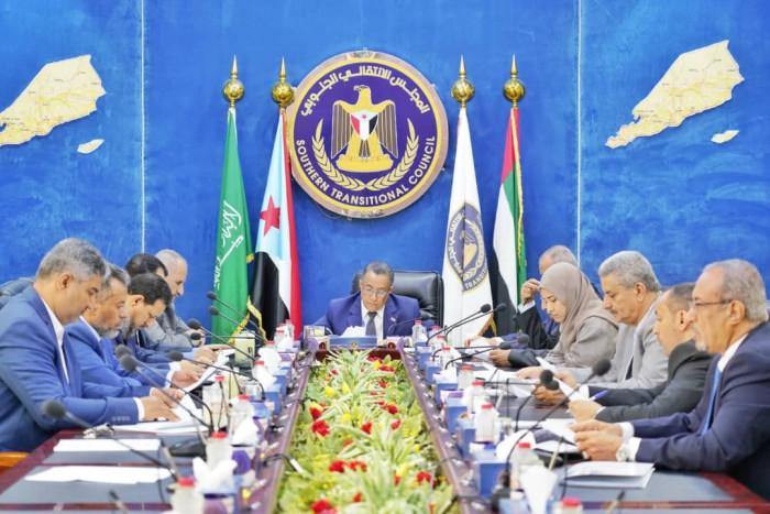 الانتقالي يواجه مؤامرات الأعداء بإنعاش اتفاق الرياض (ملف)