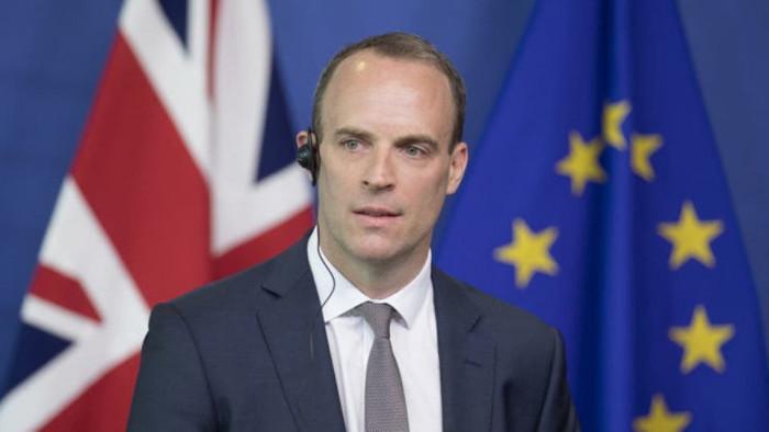 بريطانيا تُعلن تأييدها للضربات الأمريكية في سوريا