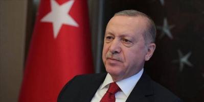 صحفي يسخر من أردوغان بعد واقعة خطبة الجمعة