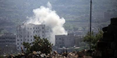 لماذا يتوسّع الحوثيون في قصف المواقع السكنية؟