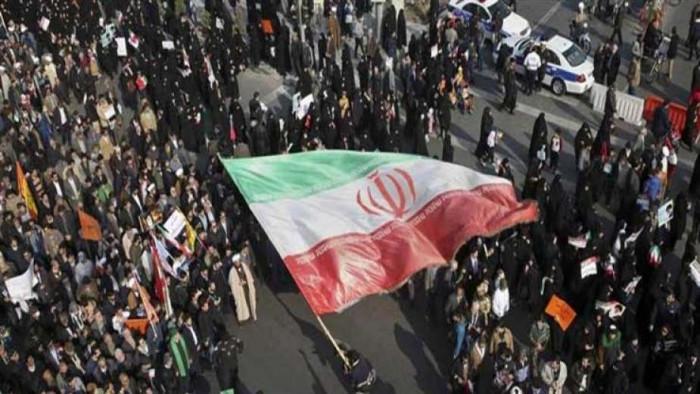إيران.. متظاهرون يحرقون مبنى حكوميًا شرق البلاد