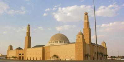 السعودية تُغلق 10 مساجد بعد ثبوت إصابة 12 مصليًا بكورونا