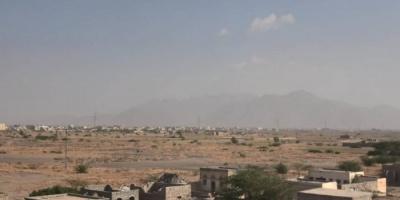 في قصف بالهاون.. مدفعية الحوثيين تنكل بسكان حيس