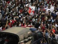 شرطة ميانمار تطلق الرصاص على محتجين ومقتل 7 أشخاص