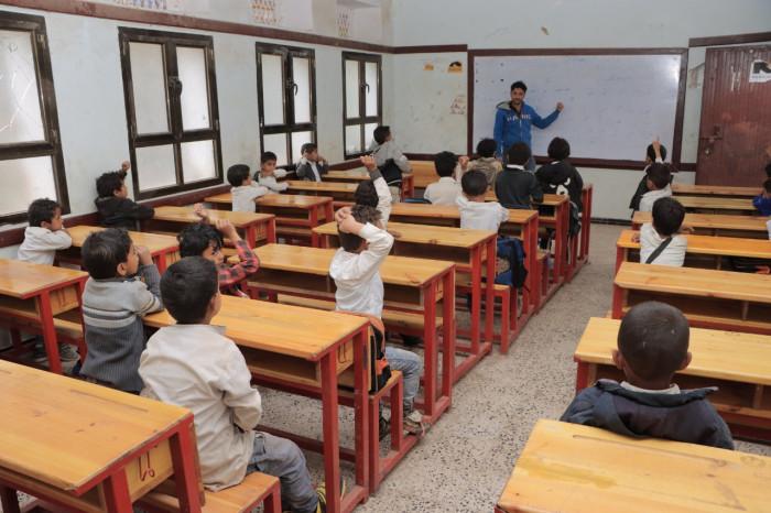 3400 مقعد دراسي لـ 44 مدرسة في الضالع