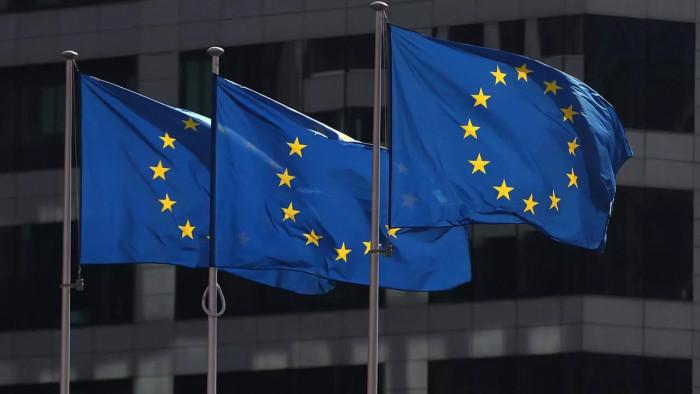 سفير الاتحاد الأوروبي يدعو لوقف الهجمات الحوثية على السعودية