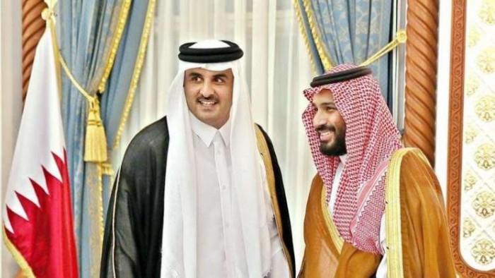 أمير قطر يجري اتصالًا هاتفي بولي العهد السعودي
