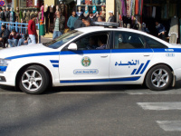 المحصلة 15 سيارة.. أردنية تعبّر عن غضبها بهذه الطريقة