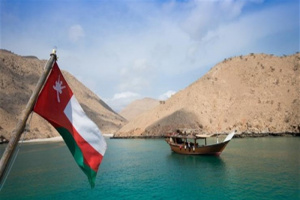 سلطان عمان يبعث برسالة خطية لحاكم دبي تتعلق بالعلاقات الثنائية بين البلدين