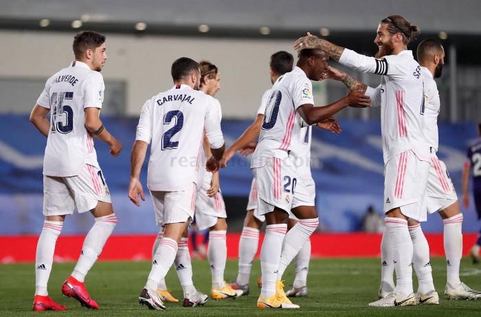ريال مدريد يفلت بتعادل مثير أمام سوسيداد