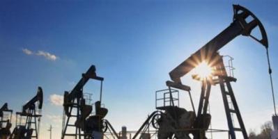 النفط يهبط 1% وسط مخاوف من تباطؤ الطلب الصيني
