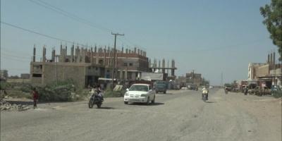 مليشيا الحوثي تتحصن بالجبال لقصف حيس