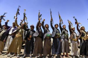 """الضغط الأمريكي على الحوثيين.. """"دبلوماسية ناعمة"""" لن تثمر شيئًا"""